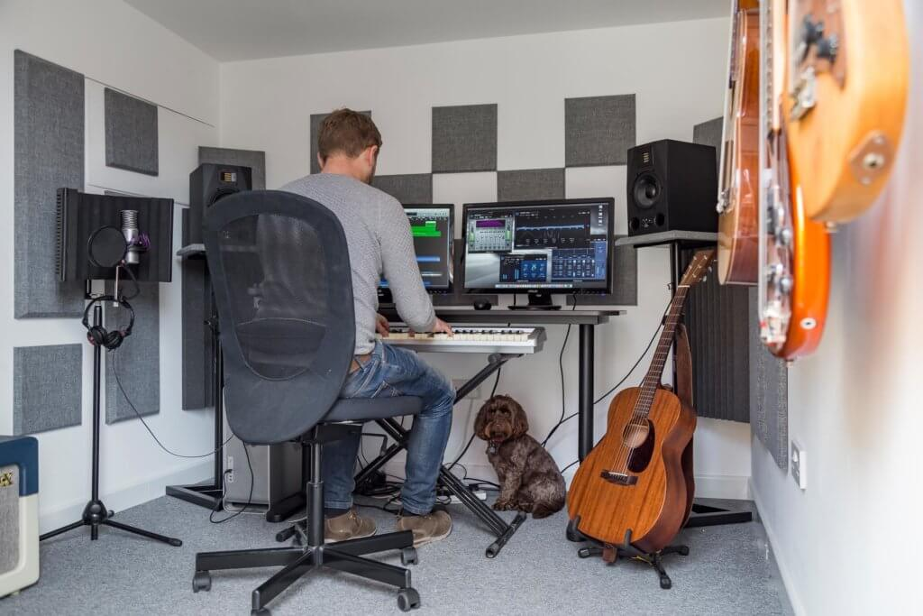 garden music studio interior in use