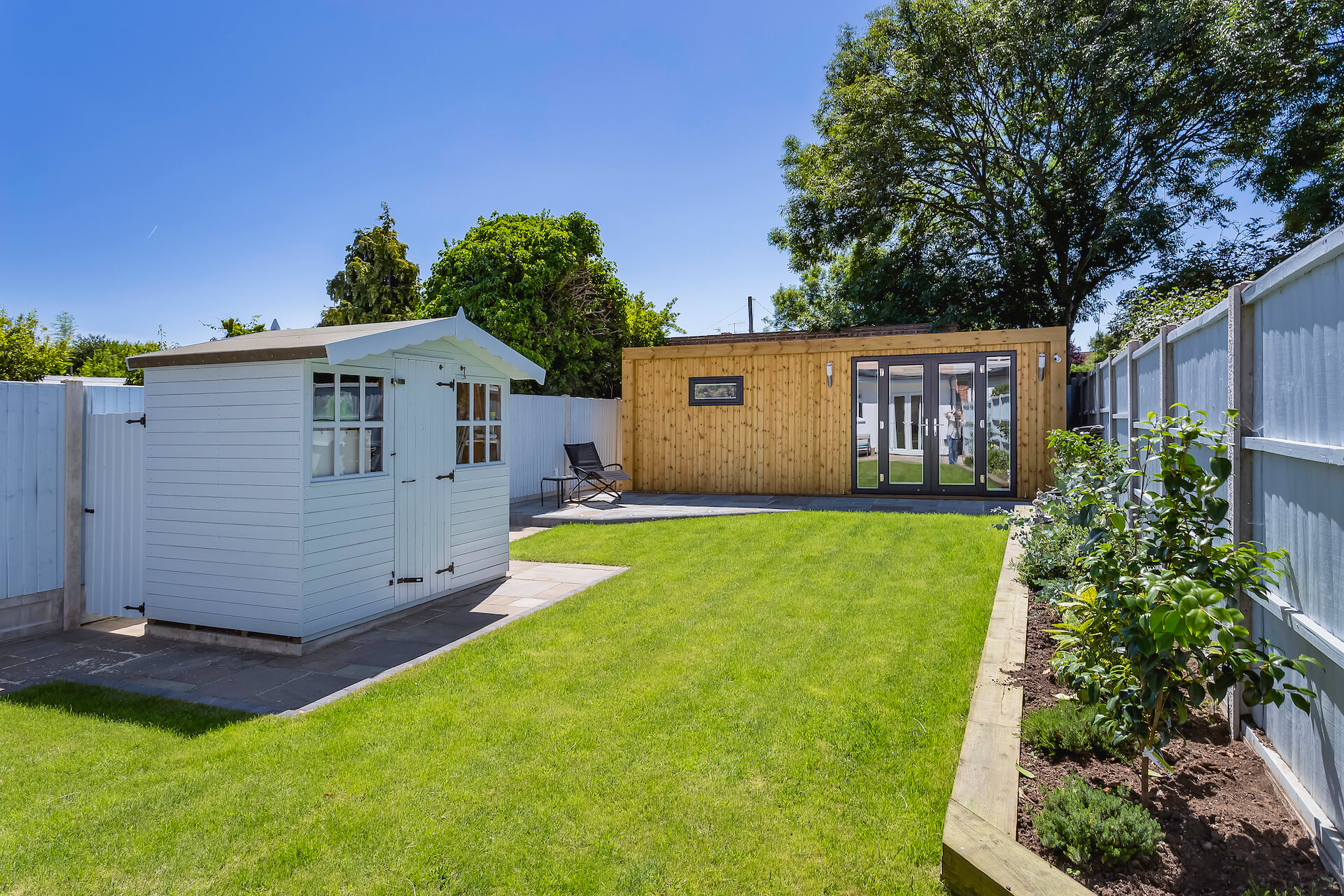 difference between a garden room and shed