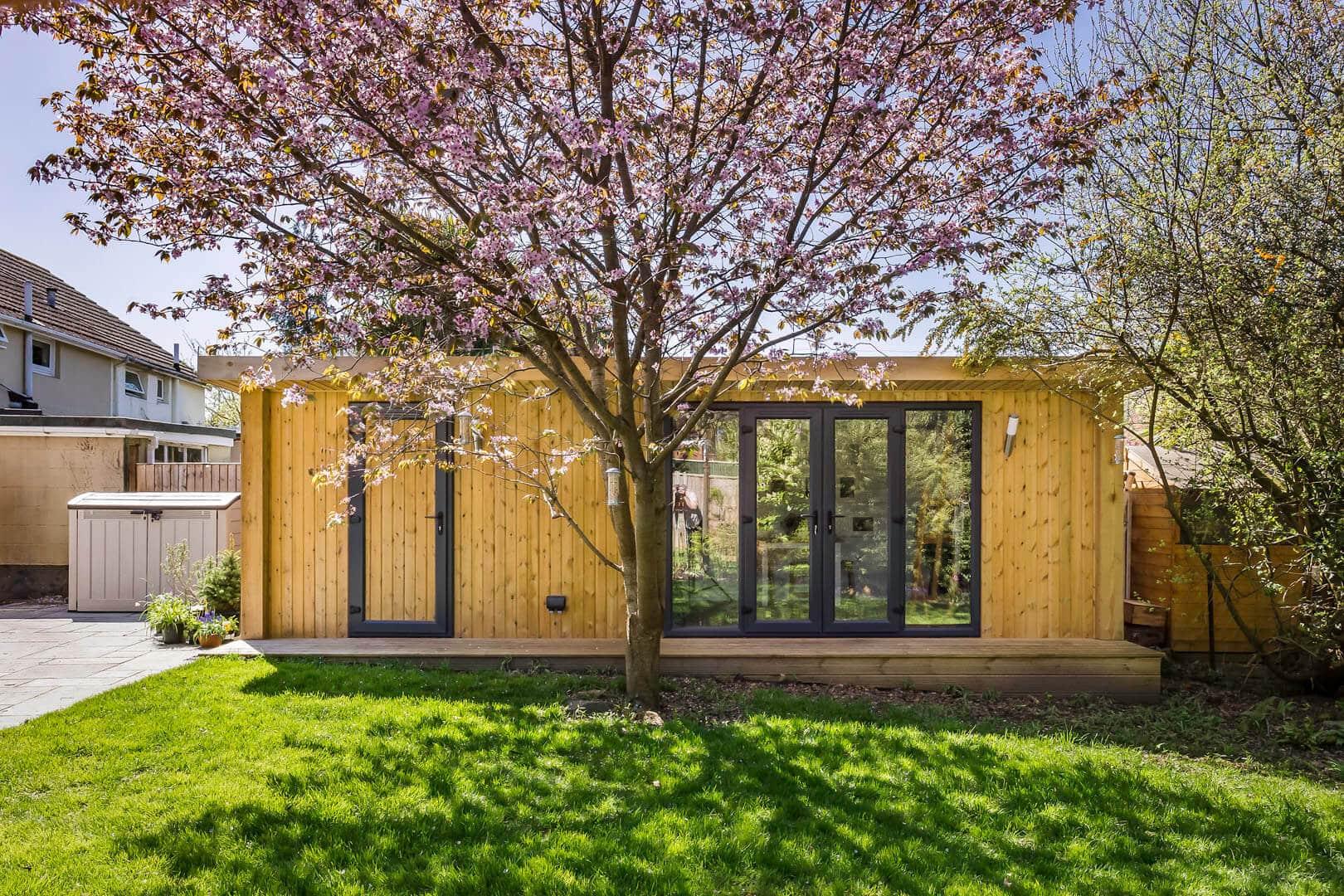 Home photography studio gallery x 3m green retreats for Garden room 7m x 5m