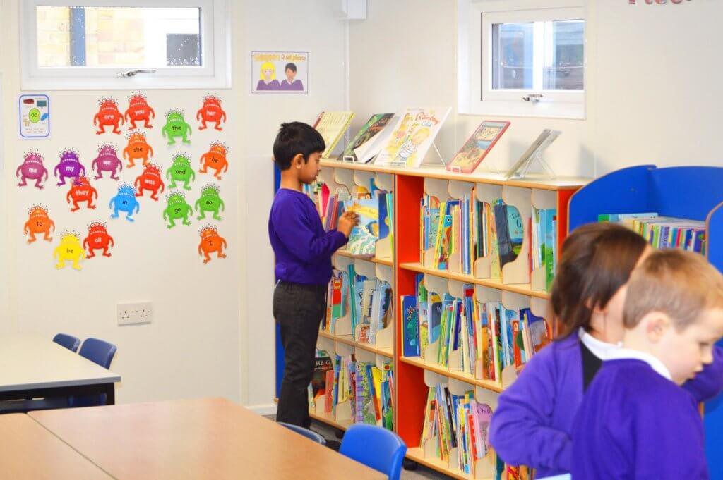 school-children-library-room