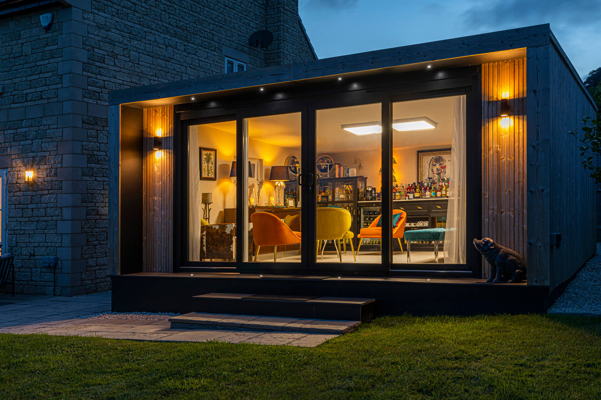 garden bar with exterior lights
