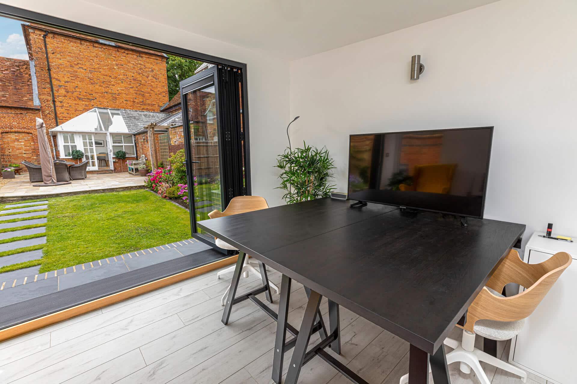 garden office modern interior