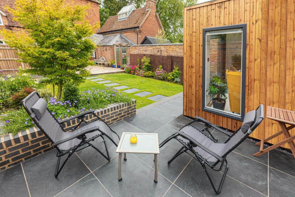 garden decor with garden room building