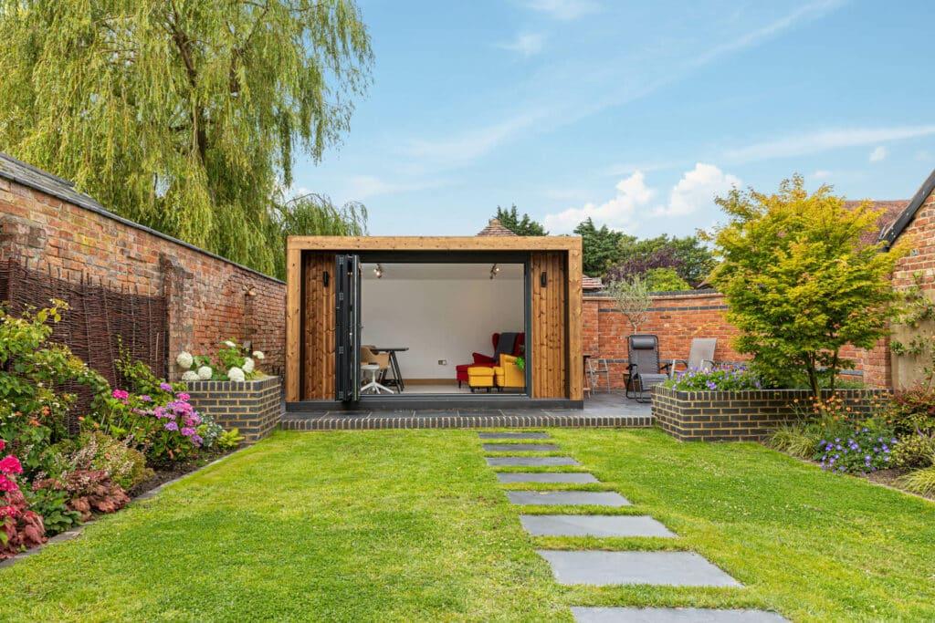Modern garden office and den