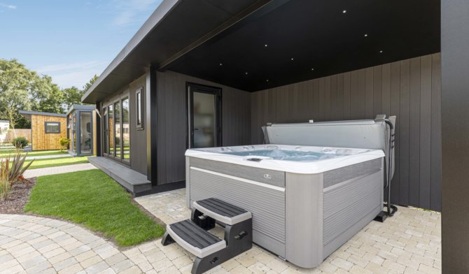 garden room hot tub canopy