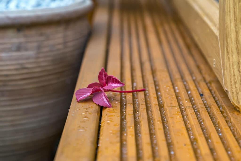 garden room decking