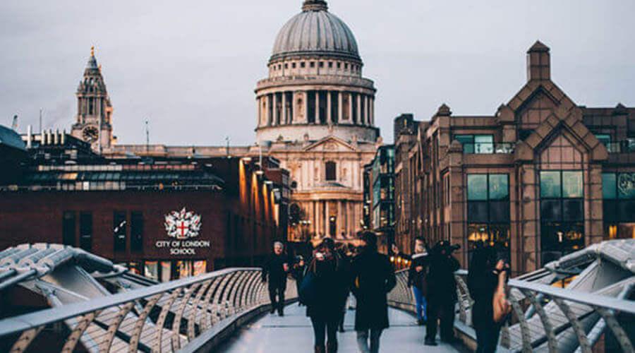 london bridge scenery
