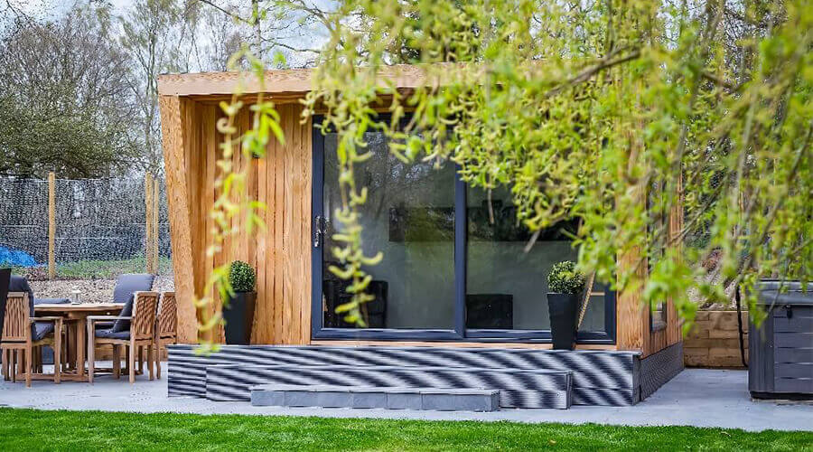 garden room covered by trees