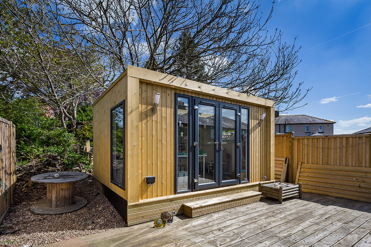 UK Manufactured Summer Houses by Green Retreats